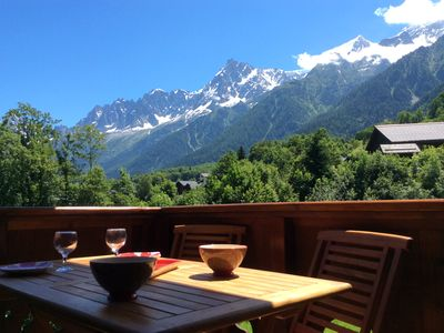 Photo for Comfortable apartment at the foot of the slopes three minutes from Chamonix