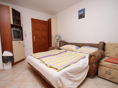 Photo for Studio flat with air-conditioning Povljana, Pag (AS-3316-d)
