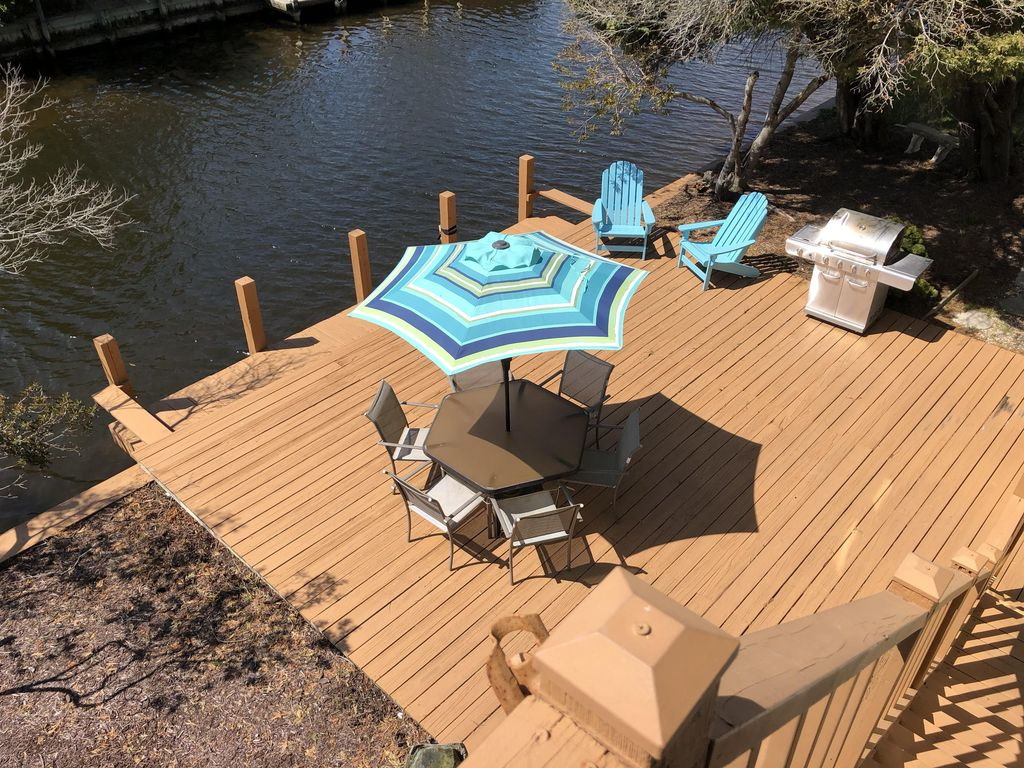 Canal Front With Boat Dock, Deck, Fire Pit, Parking   Walk 7 Houses To The  Beach