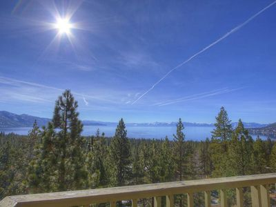 Lake View w/Hot Tub, Sauna, BBQ, Decks, Sleeps 19 (IVH1489)