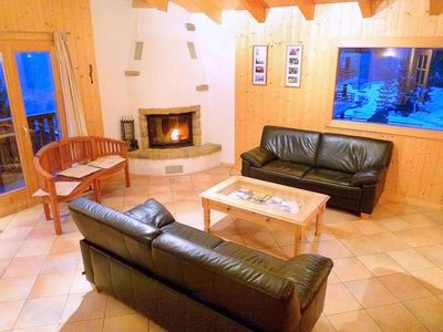 Photo for Chalet, wifi, 350m from ski slopes, terrace, balcony, fireplace or stove, parking, tv, 230m²