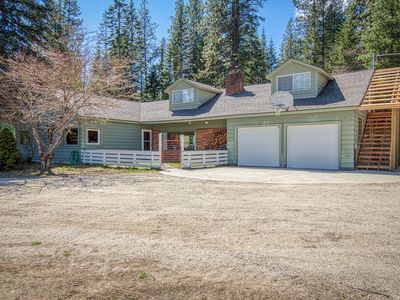 Photo for Cozy home w/ private hot tub, shared dock, 3 fireplaces & beautiful river views!