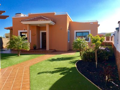 Photo for Luxury Private Villa with Heated Pool & Airconditioning on Fuerteventura Golf