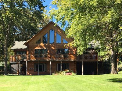 Amazing Lake Home Great For Families And Friends!