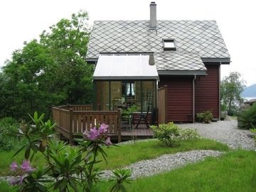 Cozy holiday home on the Hardangerfjord incl. Boat for 6 people