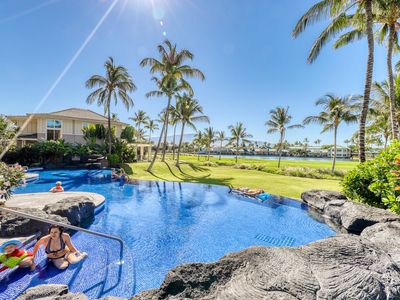 Photo for Amazing golf-course front condo w/lanai, AC & shared pool/hot tub