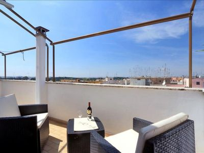 Photo for Licia apartment in San Giovanni with integrated air conditioning, private terrace & lift.