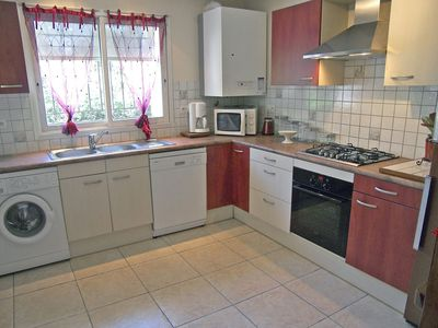 Photo for Beautiful apartment for 4 people with WIFI, TV and parking