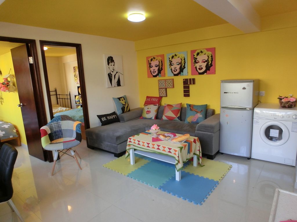 Colourful worldstyle theme ROOM