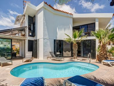 Photo for Lovely 4 Bed Villa to rent in Amarilla Golf with heated pool and sea views