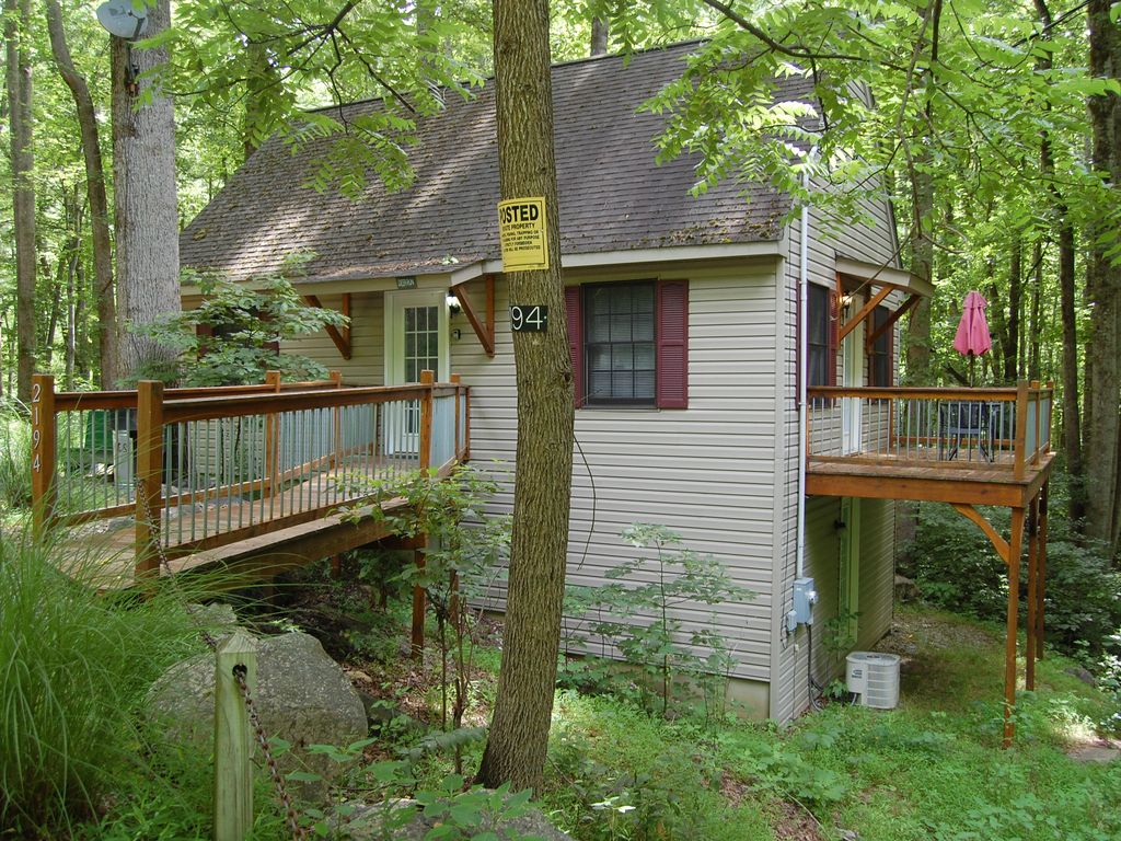 Deer run mountain getaway montebello virginia for Montebello cabin rentals