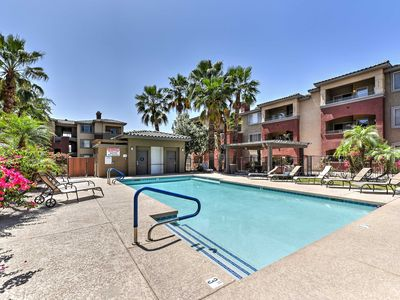 Photo for Phoenix Condo w/Balcony, Pool & Putting Green!