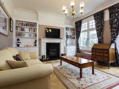 Photo for Grand 5 bed family home, located in the beautiful borough of Greenwich (Veeve)