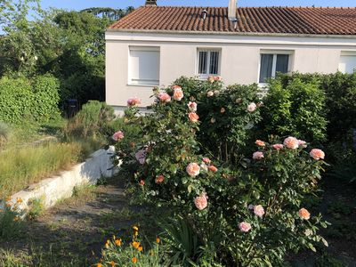 Photo for Holidays 2 steps from the beaches and the city center on La Rochelle