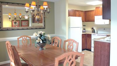 Photo for Kingsgate Resort-  Large 2 Bedroom. Family Friendly Amenities + 5 Min. to CW!
