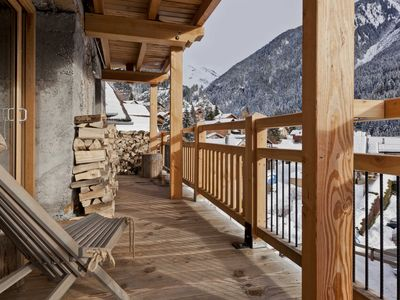 Photo for Lodge 10 people close to the slopes, swimming pool, spa and shops