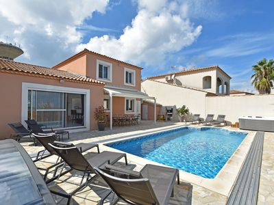 Photo for Luxurious Holiday Home with Private Pool in Port Camargue