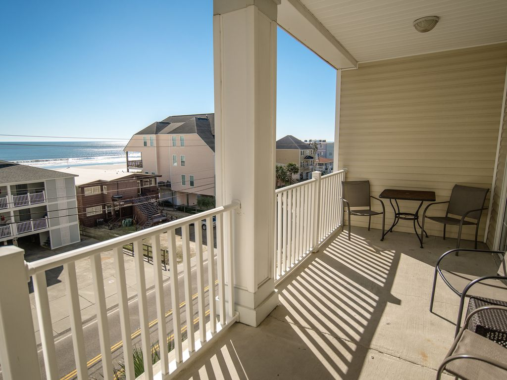 Cherry Grove  North Myrtle Beach  Large 6 bedroom condo