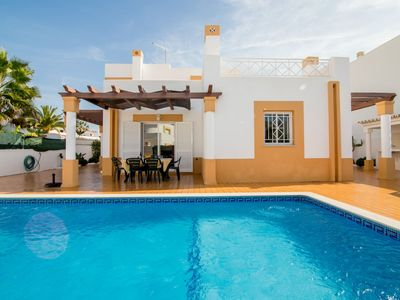 Photo for Villa Avo, Gale, Albufeira, 3 bedrooms, 3 bathrooms Near Beaches, Sunny Private Pool for 6-8 persons