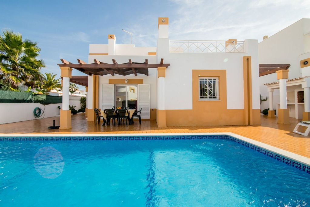Villa Avo, Gale, Albufeira, 3 bedrooms, 3 bathrooms Near Beaches, Sunny  Private Pool for 6-8 persons - Sesmarias