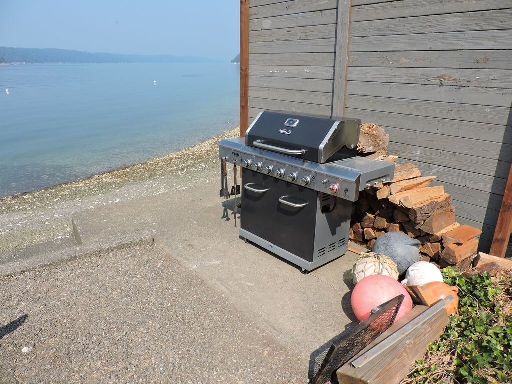 The Studio on the Hood Canal