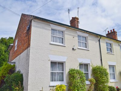 Photo for 3 bedroom accommodation in Fordingbridge