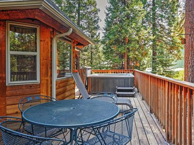 Photo for Spacious 3BR Shaver Lake Cabin w/Private Hot Tub