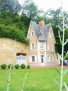 Photo for Beautiful house close to the Chateau: chic and charm. Swimming pool