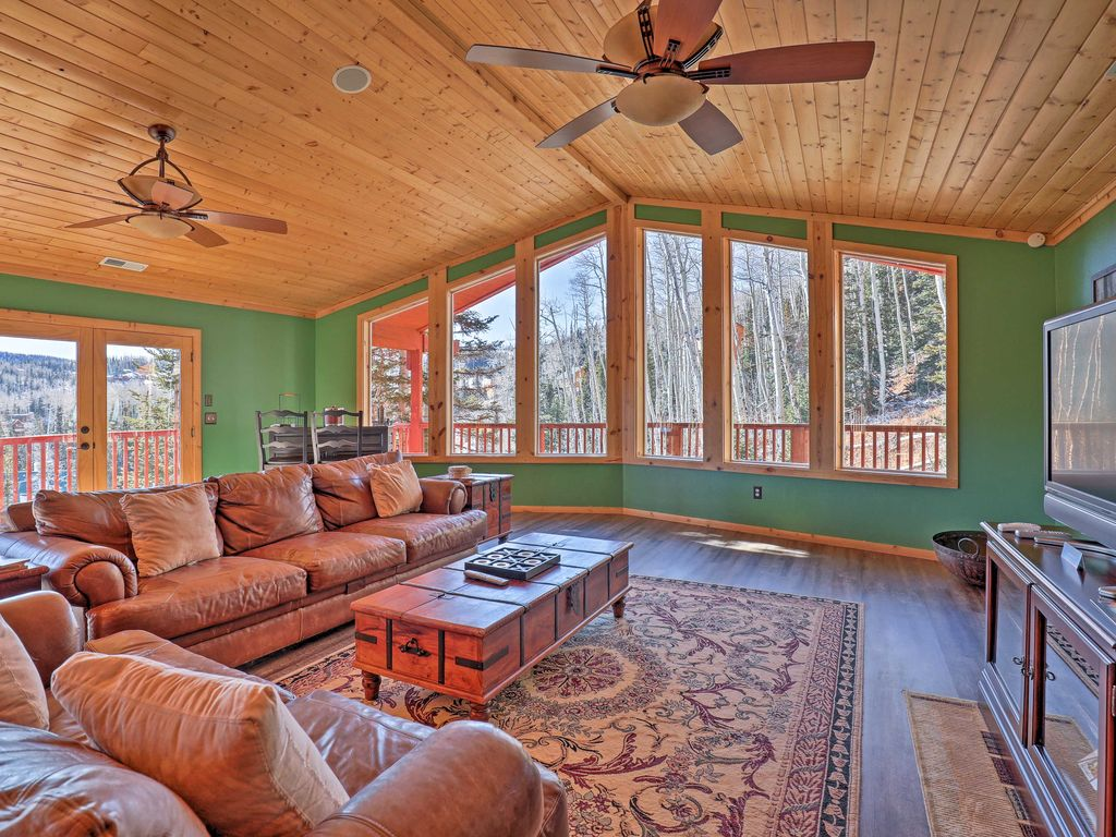 New brian head cabin minutes from ski re homeaway for Cabin rentals vicino a brian head utah