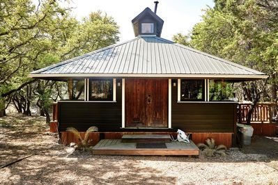 Marvelous A Wimberley Cabin In The Woods Wimberley Beutiful Home Inspiration Ommitmahrainfo
