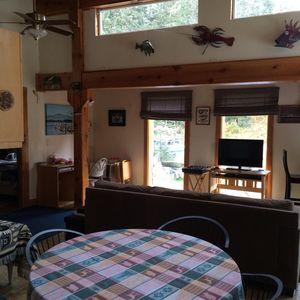 Comfy, Quiet, Furnished Tastefully! Great For Fishing Clients And Vacationers.
