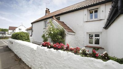 Photo for Bull Croft Cottage, Oxwich