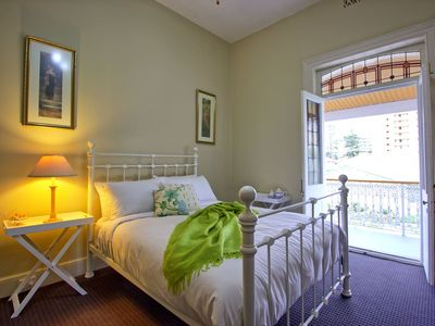 Photo for Country Charm Heritage Room in Heart of Glenelg
