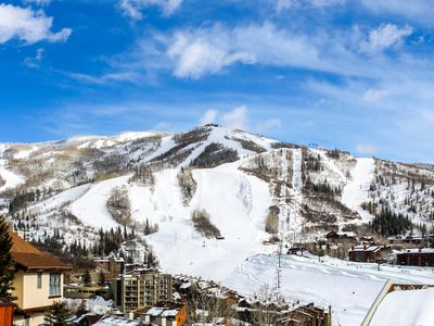 Photo for NEW LISTING! Lovely condo with balcony & full kitchen - easy access to ski lifts