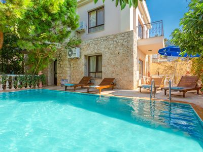 Photo for Villa Begonia: Large Private Pool, Walk to Beach, A/C, WiFi, Car Not Required