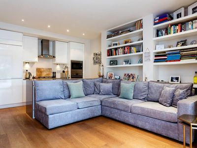 Photo for Smart 2 bed garden apartment in a Maida Vale townhouse, sleeps up to 6 (Veeve)