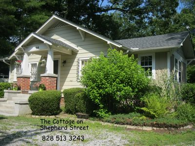 Photo for Cozy comfort minutes from Flat Rock and Hendersonville.