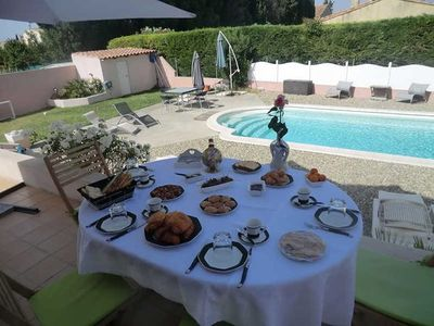 Photo for Holiday home in Salon-de-Provence, private pool, garden and terrace