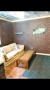Pet friendly fisherman's cabin 2 miles from the water