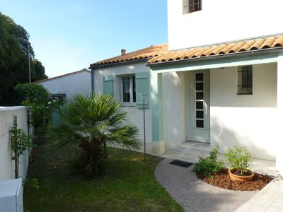 Photo for Family house with pool in Ile de Ré