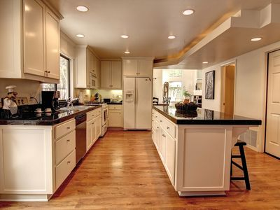 Beautiful Kitchen with Breakfast Bar
