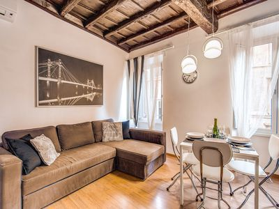 Photo for Campo De' Fiori Black apartment in Centro Storico with WiFi & integrated air conditioning (hot / co…