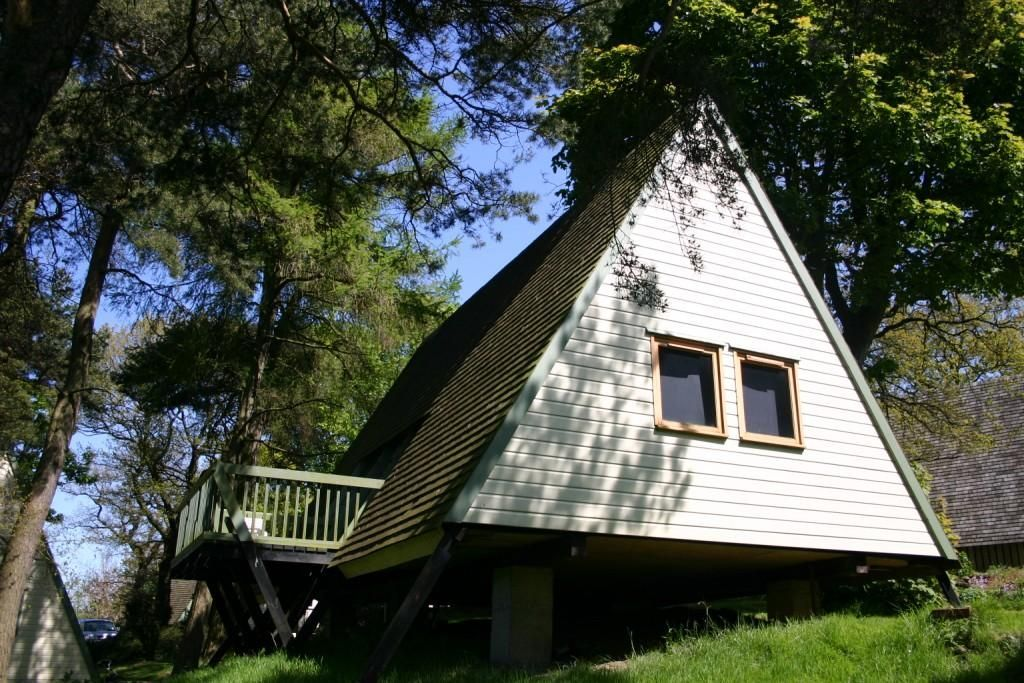 TRADITIONAL LODGE 4 -  a traditional lodge that sleeps 5 guests  in 2 bedrooms