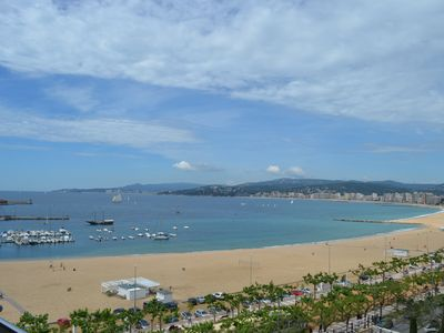 Photo for 1ªLINEA APARTMENT SEA AND TOWN CENTER WITH WIFI PALAMOS. HUTG-023947