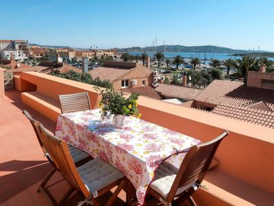 Photo for 2 bedroom Apartment, sleeps 6 with Air Con, FREE WiFi and Walk to Beach & Shops