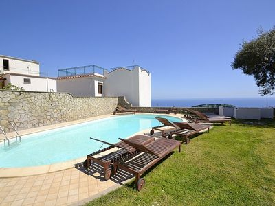 Photo for Residence Serenata B: A charming apartment that covers the entire ground floor of a villa, with Free WI-FI.