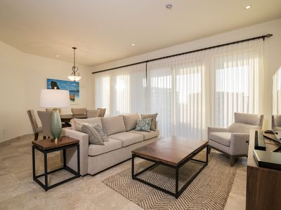 Photo for Snugly warm ocean view unit
