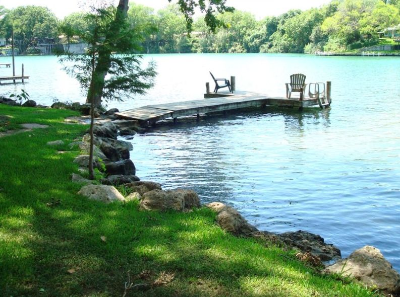 Cabin On The Lake In Beautiful New Braunfels Texas Bnb Daily