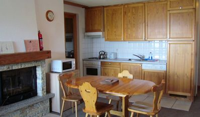 Fully equipped kitchen - just bring your food. Can seat 8 round extended table