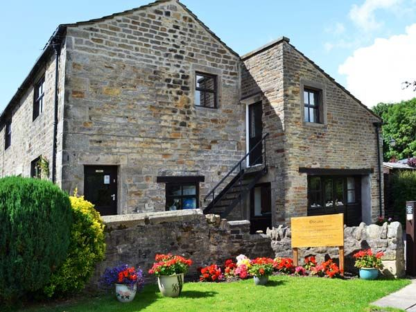 MALLARD, pet friendly, with a garden in Addingham, Ref 950572